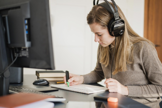 Giáo viên nên kinh doanh khóa học online?