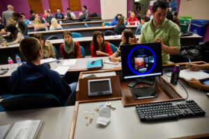 ứng dụng công nghệ thông tin vào dạy học đại học